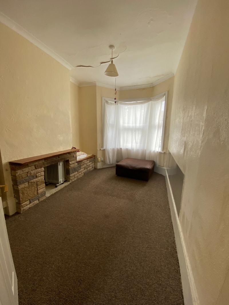 2 bedroom flat in E7