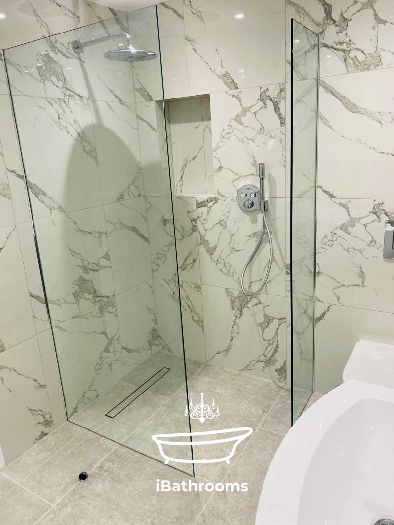Experienced bathroom fitter (in pret)