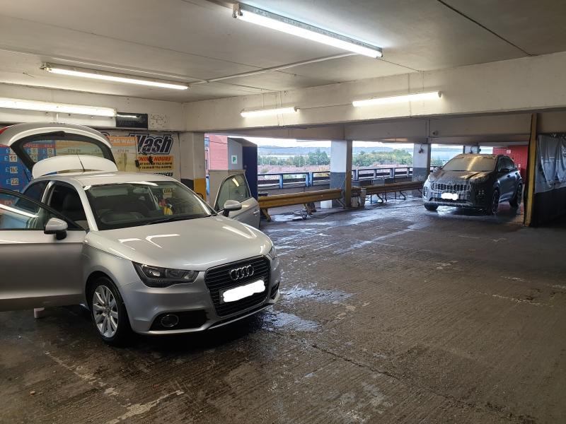 Loc de munca la spalatorie auto